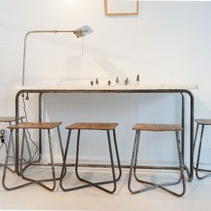 Table / bureau  tubulaire